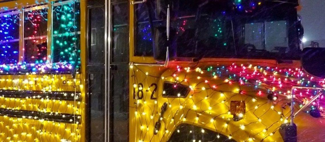 holiday_parade_bus_in_michigan750061117